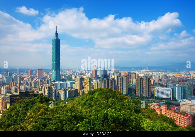 Taipei, Taiwan Skyline von Elephant Mountain im Laufe des Tages gesehen. Stockbild