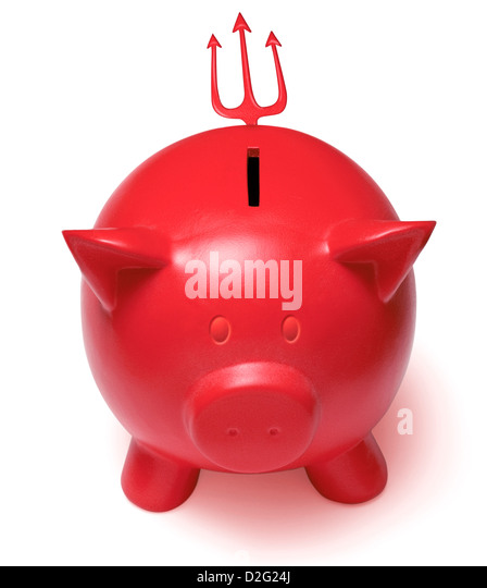 Rote Teufel Sparschwein mit gehörnten Ohren und einen Dreizack Schweif auf einem weißen Hintergrund - Stockbild