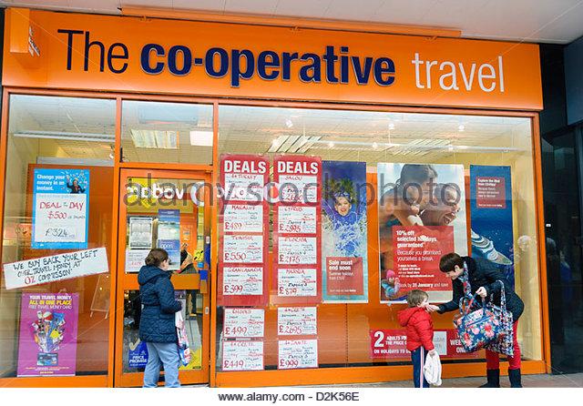 Co-Operative-Reisebüros-Shop in Cwmbran, South Wales, UK. Stockbild