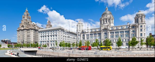 Drei Grazien Pierhead Gebäude, Liverpool Waterfront, Liverpool, Merseyside, England, UK Stockbild