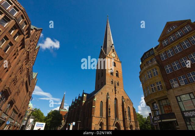 St.-Petri Dom umgebaut mehrmals seit dem 11. Jahrhundert, Mönckebergstraße und Bergstraße, Hamburg, Stockbild
