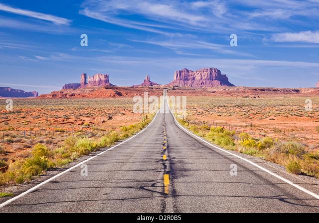 Leere Straße, Highway 163, Monument Valley, Utah, Vereinigte Staaten von Amerika, Nordamerika Stockbild