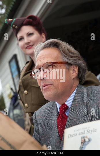 Lord March auf Signierstunde Goodwood Revival meeting Stockbild