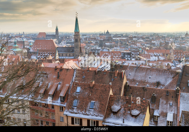 Nurember Blick auf die Stadt während der Zeit des berühmten Weihnachtsmarkt im winter Stockbild