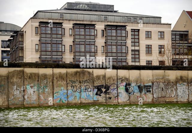 Reste der Berliner Mauer, mit Graffiti, 2012 Stockbild