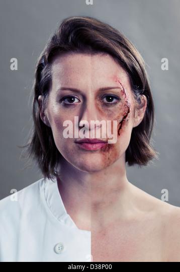 Darstellung der Frau Mitte geteilt Stockbild