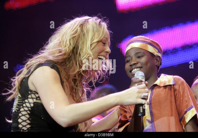 (Dpa) - Mariah Carey auf der Bühne während der Live 8 Konzert in London, 2. Juli 2005. Stockbild