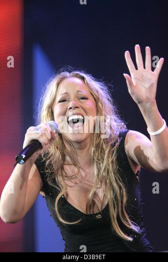 (Dpa) - Mariah Carey auf der Bühne während der Live 8-Konzert im Hyde Park in London, UK, Samstag, 2. Stockbild
