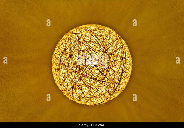 Zeichenfolge-Kugel-Lampe-Abstraktion Stockbild