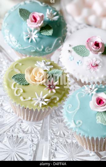 Nahaufnahme von dekorierten cupcakes Stockbild