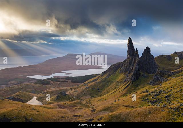 Dramatische Landschaft an der Old Man of Storr, Isle Of Skye, Schottland. Herbst (November) 2012 Stockbild