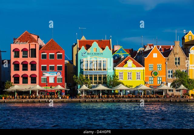 Die niederländische Häuser am Sint Annabaai in Willemstad, UNESCO-Weltkulturerbe, Curacao, ABC Inseln, Stockbild