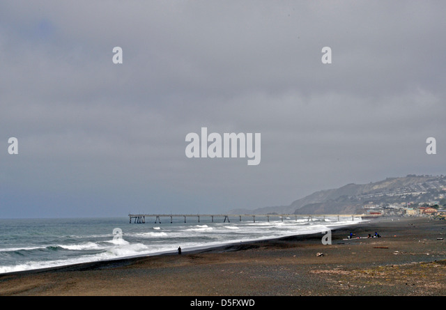 Sharp Park Beach & Pacifica Municipal Pier, Pacifica, Kalifornien, USA Stockbild