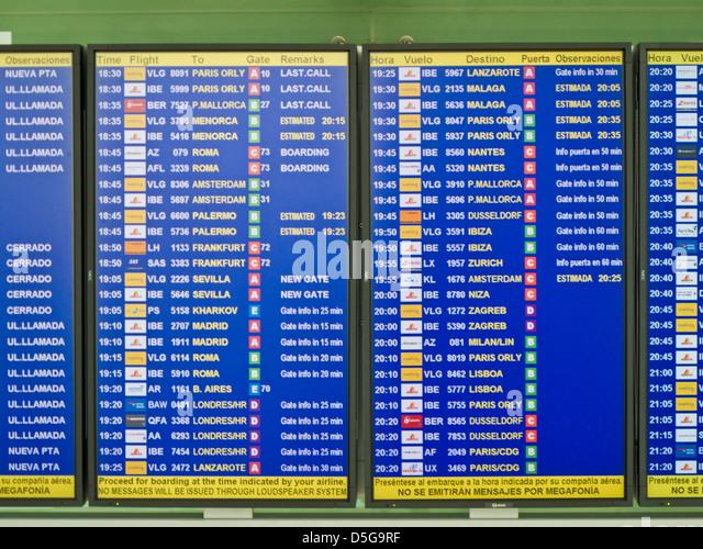 Zeit an- und Abflüge, el Prat Flughafen, Barcelona, Spanien Stockbild