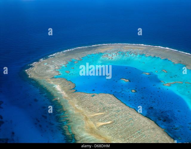 Australien, Queensland, Great Barrier Reef, Luftaufnahme von Boult Riff, eine Koralleninsel der Bunker-Gruppe Stockbild