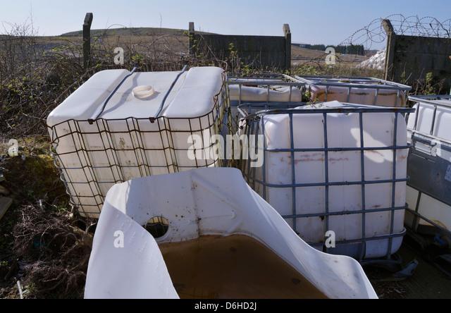 Verlassene Chemikalienbehälter Stockbild