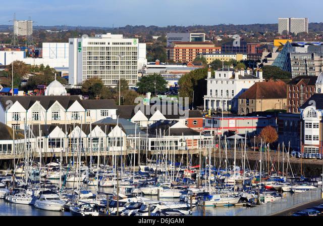 Stadtkai und Yacht Marina, Southampton, Hampshire, England, Vereinigtes Königreich, Europa Stockbild