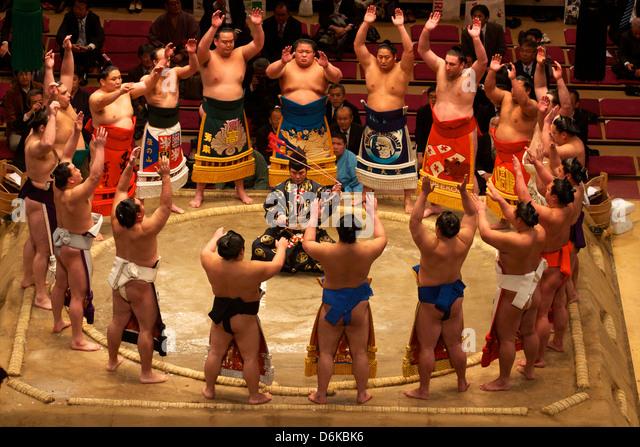 Sumo-Wettbewerb im Stadion Kokugikan in Tokyo, Japan, Asien Stockbild