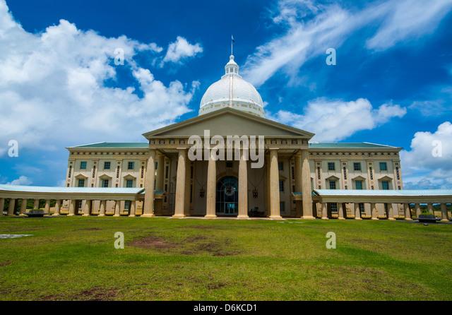Parlament-Gebäude von Palau auf der Insel Babeldoab, Palau, Central Pacific, Pazifik Stockbild
