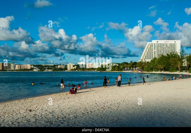 Die Bucht von Tamuning mit ihren Hotelanlagen in Guam, US-Territorium, Central Pacific, Pazifik Stockbild