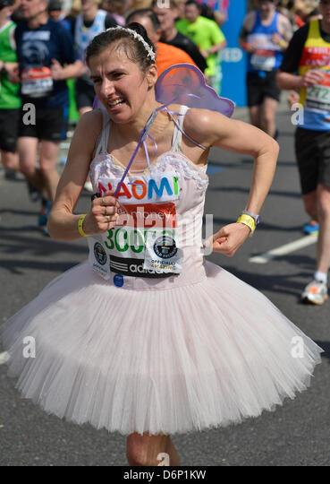 London, UK. 21. April 2013. Konkurrent Virgin London Marathon Fun Run Stockbild