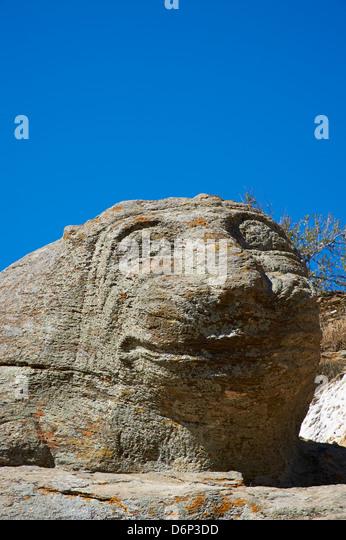 Die alten Löwe von Kea, eines der ältesten Skulpturen in Ioulis (Chora), Kea Insel, Cyclades, Griechenland, Stockbild
