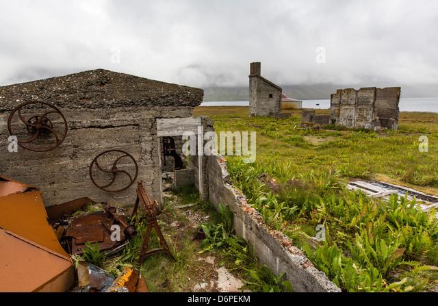 Aufgegeben von Wal Ufer Verarbeitung Station, Talknafjorour, Island, Polarregionen Stockbild