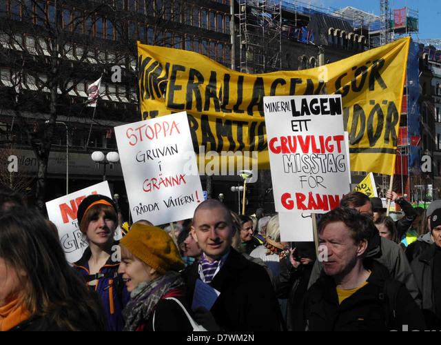Demonstration gegen Bergbau und Zerstörung der Umwelt 20. April 2013 in Stockholm, Schweden. Stockbild