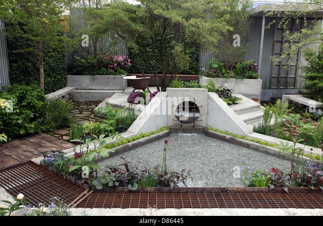 Das Ödland Schaugarten von Kate Gould auf industrielle Wasteground für RHS Chelsea Flower Show 2013 erstellt Stockbild
