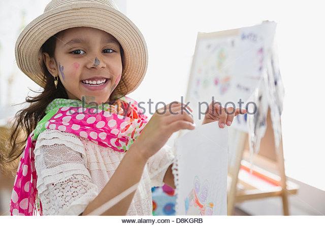 Porträt eines Mädchens, die vorgeben, Künstler zu sein Stockbild