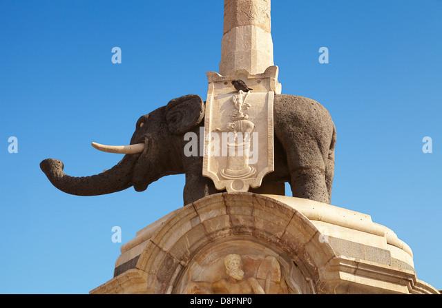 Detail der Elefantenbrunnen (Lava Elefant und ägyptischen Obelisken), Piazza Duomo, Catania, Sizilien, Italien Stockbild
