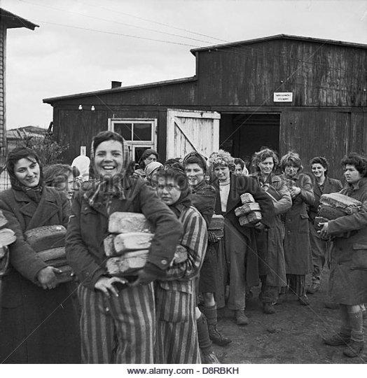 Die Befreiung des Konzentrationslagers Bergen-Belsen, April 1945 BU4274. Stockbild