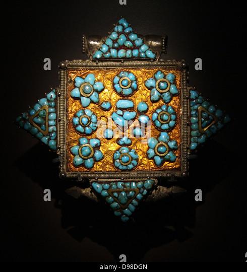 Reliquiar Medaillon (Gau), 1800, Tibet, Zinn, Türkis Stein.  Das Medaillon enthaltenen einmal geschriebene Stockbild
