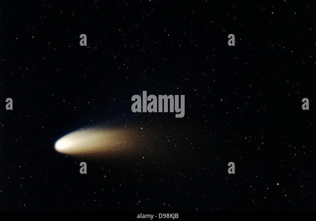 Staub und Ion schweife des Kometen Hale-Bopp.  Im Jahr 1997 überschritten Komet Hale-Bopp intrinsischen Helligkeit Stockbild