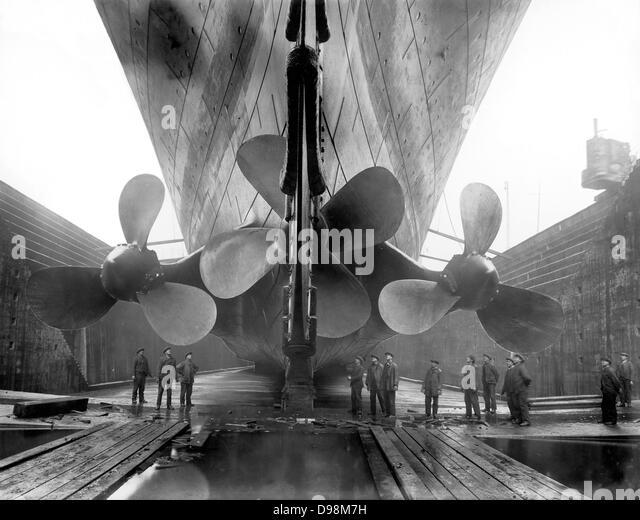 """Die Propeller der Titanic im Trockendock in Belfast, Nordirland, vor seiner """"starten im Jahre 1912 Stockbild"""