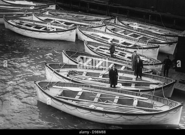 Rettungsboote von der Titanic 1912 Stockbild