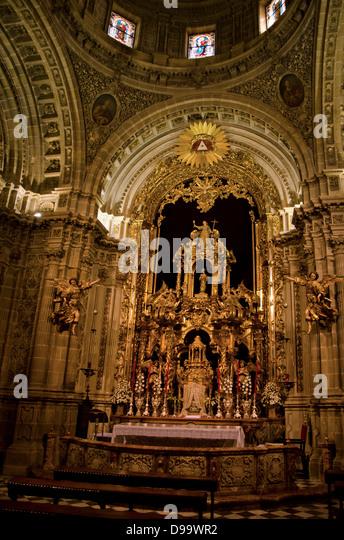 Altarbild der St. Michaelskirche in Jerez De La Frontera. Andalusien, Spanien. Stockbild