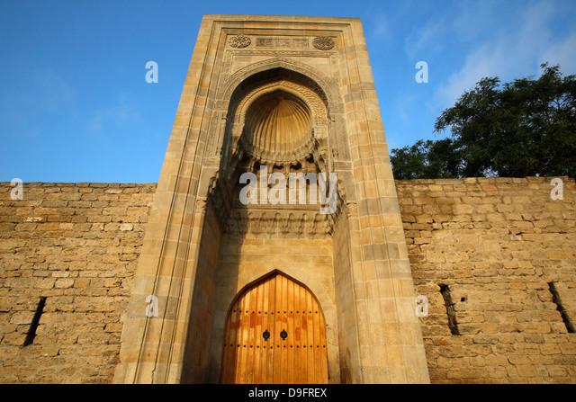 Östlichen Portal (Murad Gate) Schirwanschachss Schlossanlage aus 1585 in alte Stadt Baku, Azerbaijan, Zentralasien Stockbild