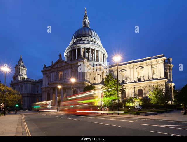 St. Paulus Dom bei Nacht, London, England, UK Stockbild