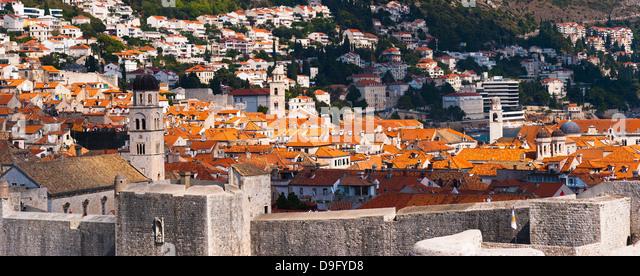 Franziskanerkloster, Dominikanerkloster und Dubrovnik Glockenturm, UNESCO-Weltkulturerbe, Dubrovnik, Kroatien Stockbild