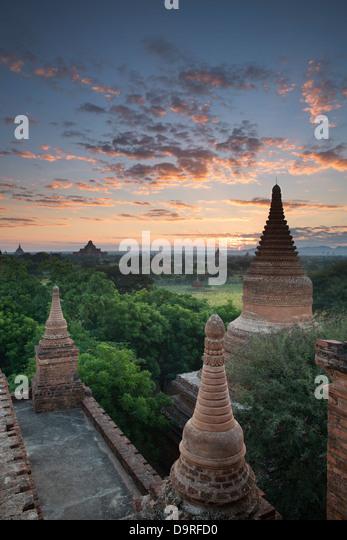 der Tempel von Bagan in der Morgendämmerung, Myanmar (Burma) Stockbild