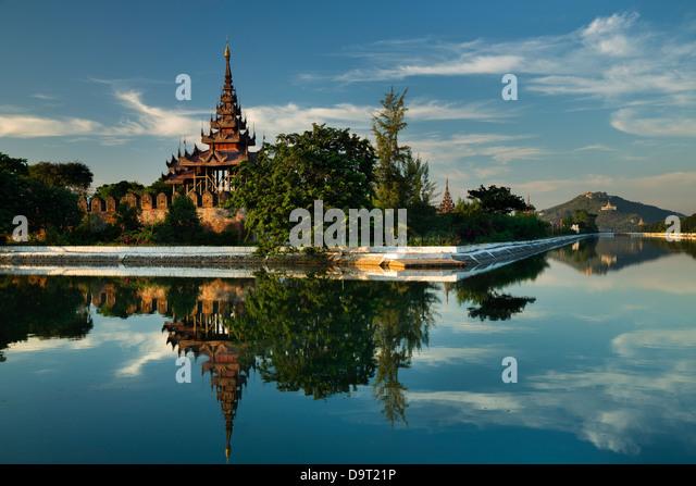 Die alte königliche Stadtmauer, Mandalay, Birma (Myanmar) Stockbild