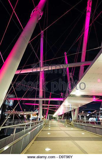 Moderne Kurilpa-Brücke ist eine Fußgängerbrücke über den Brisbane River in Brisbane Queensland Stockbild