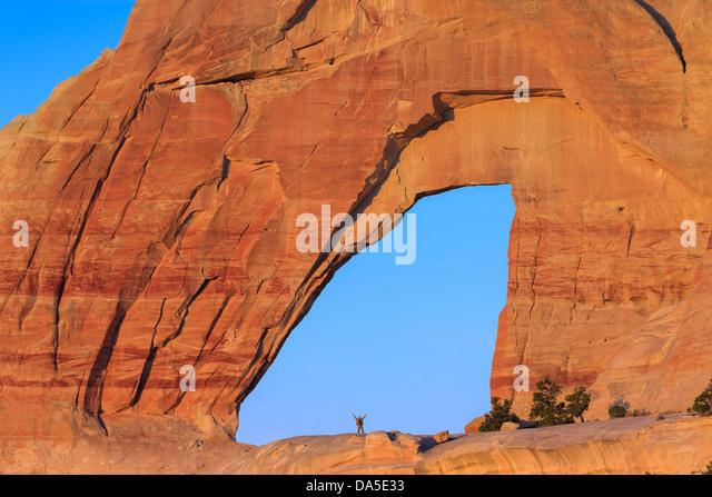 White Mesa Arch, im Nord-östlichen Teil von Arizona, USA Stockbild