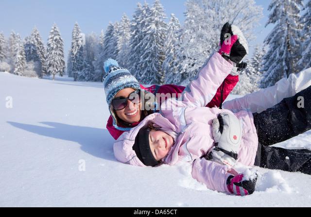 Familie, Wintersport, Winter, Jura, Kanton, JU, Jura, Familie, Kind, Kinder, Schweiz, Europa, Mutter, Spaß, Stockbild