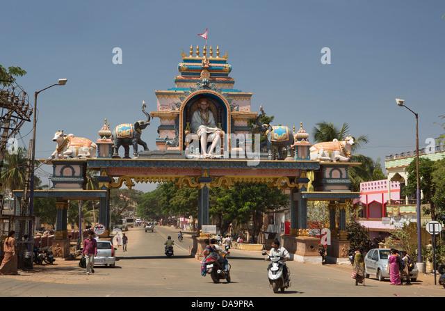 Indien, Süd-Indien, Asien, Karnataka, Hubli, arch, Architektur, Kunst, Stadt, bunte, Dravidian, Tor, Straße, Stockbild
