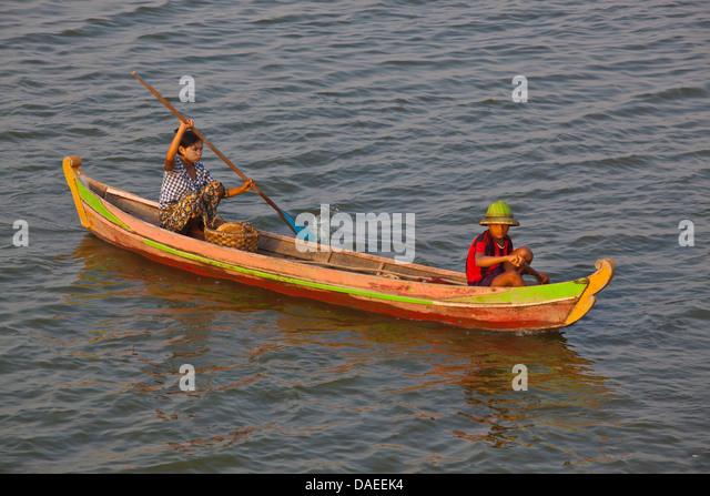 Fischer am Taungthaman-See, Burma, Amarapura Stockbild