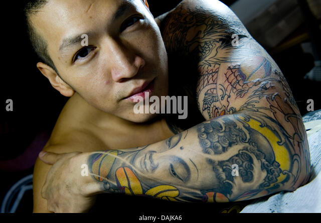 tattoo convention face stockfotos tattoo convention face. Black Bedroom Furniture Sets. Home Design Ideas