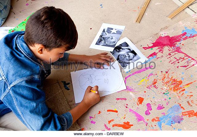 Kinder malen Porträt von Fidel Castro, Havanna, Kuba, Südamerika Stockbild