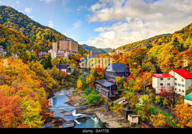 Hot Springs resort Stadt Jozankei, Japan im Herbst. Stockbild